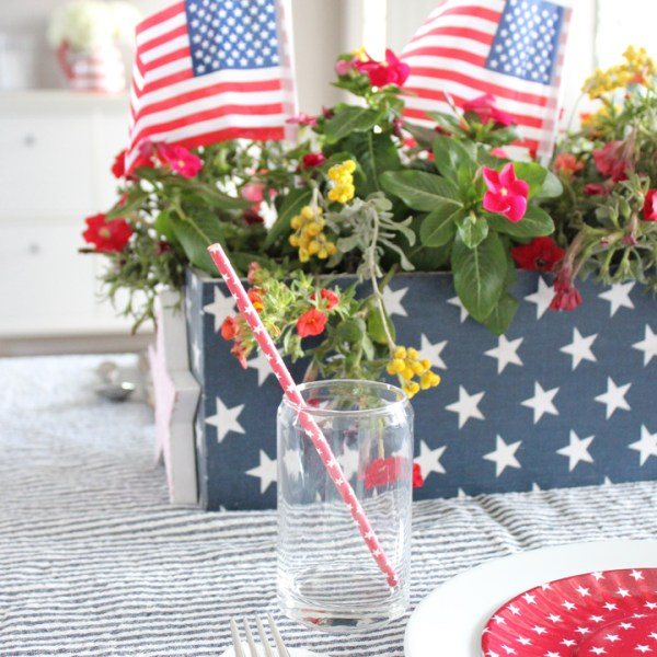Fourth of July Tablescape with DIY Fourth of July Wood Planter Box
