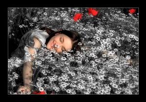 pati_gražiausia_moteris_gėlėse