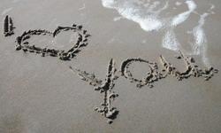 Myliu prie jūros