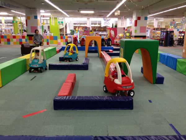 自走式タイプの幼児向け乗り物広場