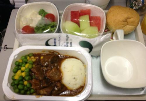 大韓航空 成田便 機内食 昼食 ビーフストロガノフ