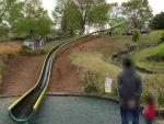 荻野運動公園の日本一長い(グリッサンド式で)全長62mの滑り台をやってみた