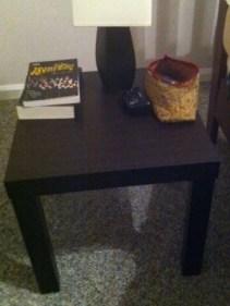 โต๊ะข้างเตียง (2011)