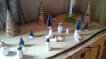 Il presepio ที่บ้านจูดิธ เป็นรูปปั้นรูปเล็ก ๆ