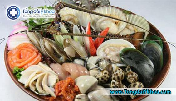 Các loài động vật có vỏ như trai, hến, nghêu và sò cũng có nguy cơ ngộ độc thực phẩm.