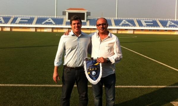 Toni Cortés y José Luis Garrido en la Academia Futebol Angola