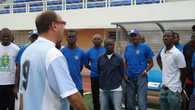 Toni Cortés en el Curso de Iniciación a Técnico Deportivo en la AFA