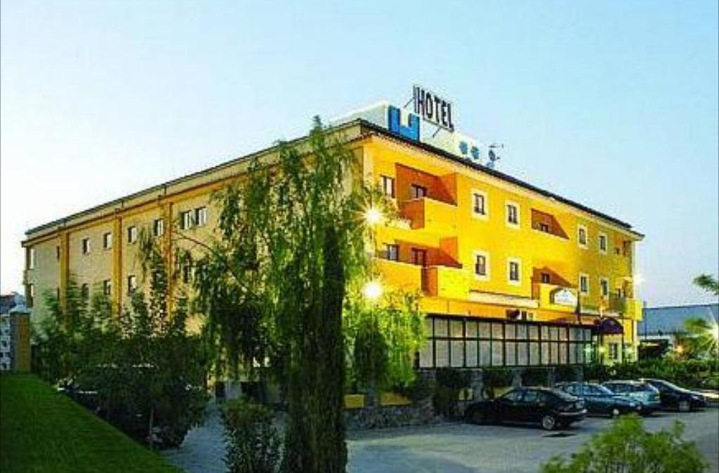 Hotel Ciudad de Plasencia, Patrocinador de Toni Franco