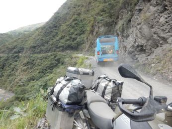Für die Sud Yungas road gibt es eine asphaltierte und gesichtere Umfahrung ...
