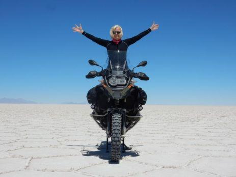 Sigrid & Salar de Uyuni & BMW & blauer Himmer - Ohne Worte!