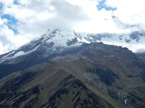 "Huascaran mit ""Wolkenhut"""