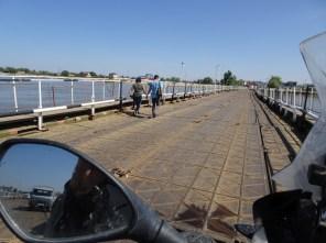 Pontonbrücke im Wolgadelta von Astrachan nach Atyrau