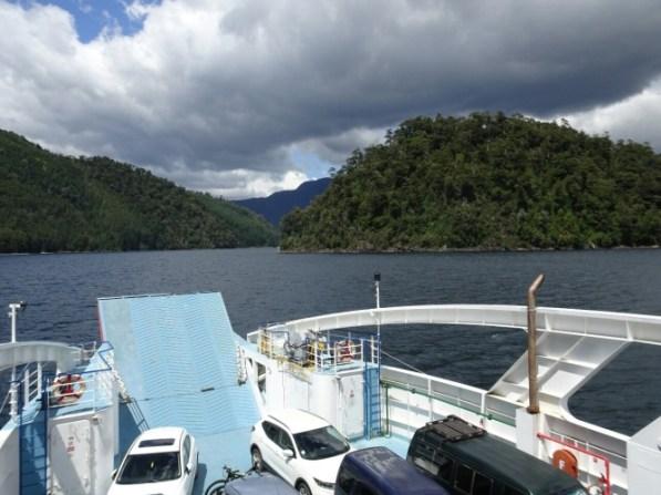 Mit der Fähre von Puerto Fuy über den Lago Pirihueico zum Paso Hua Hum
