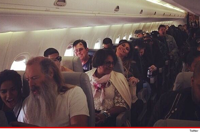 kim kardash inside plane
