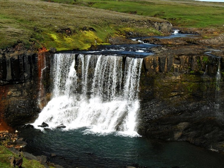Best Places To Travel Solo while Single - iceland