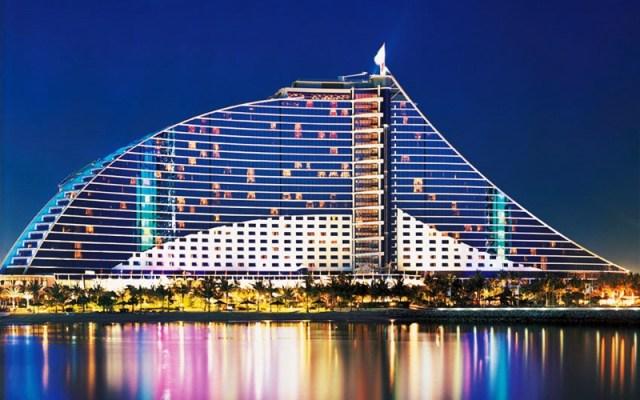 10-top-luxury-hotels-in-dubai-jumeirah-beach-hotel-toni-payne-travel