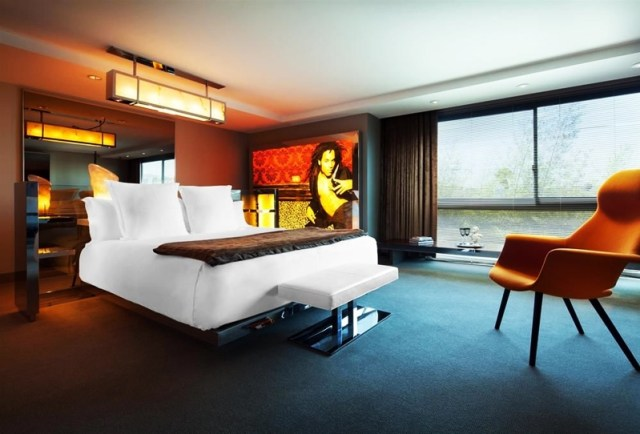 10-hotels-in-los-angeles-sls-hotel-beverly-hills-toni-payne-travel