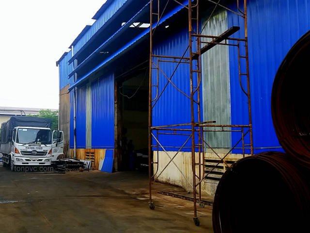 Nhà Máy Mạ Kẽm và Nhôm Quy Chế 2, sử dụng Tôn Chống Ăn Mòn PVC để lợp mái và vách ngăn