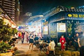 Hình 09 : hoạt động kinh doanh Khu phố ẩm thực Kenton Village, Ngói Nhựa ASA/PVC màu Xám Đen
