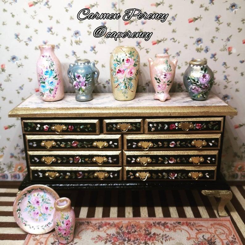 Muebles pintado a mano por Carmen Pereney