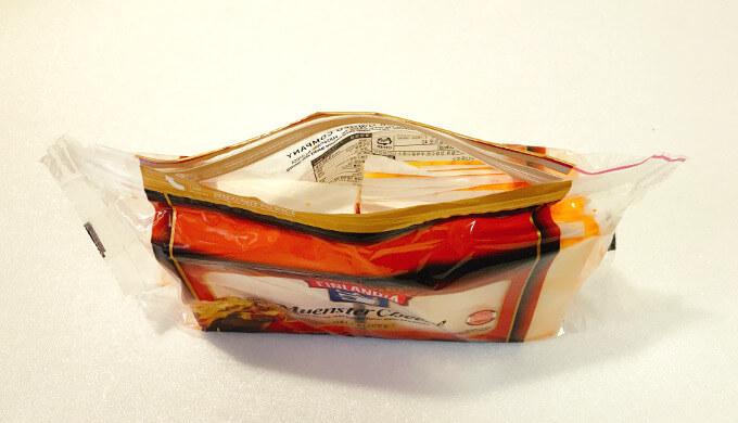 フィンランディアミュンスターチーズ(パッケージ中身)
