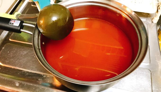 カルグクス(スープの色)