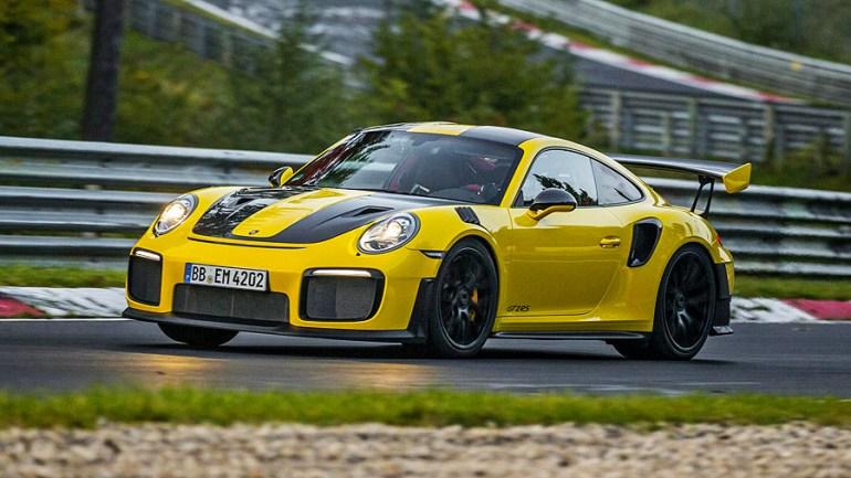 Porsche-911-GT2RS-1