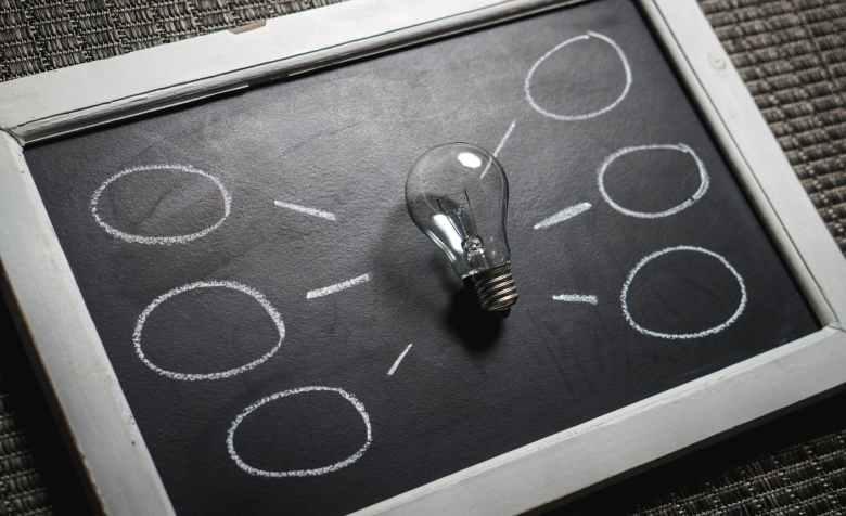 고객 분석을 통해 챗봇의 서비스 및 전략을 도출 할 수 있다.