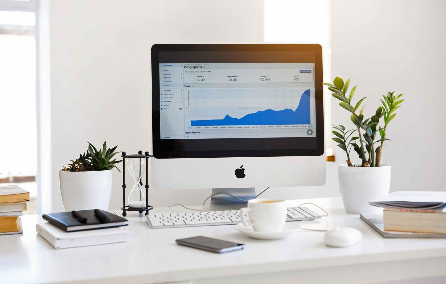 챗봇을 통한 온라인 채널 비즈니스의 혁명 / Revolution of Online Channel Business based on Chatbot