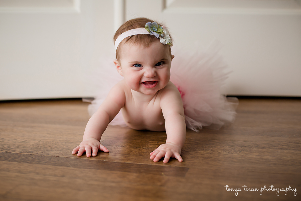 Lifestyle baby session | Bethesda, MD Newborn Baby and Family Photographer | Tonya Teran Photography