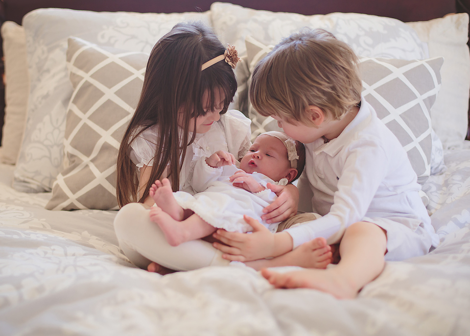 Lifestyle sibling session - Tonya Teran Photography - Rockville, MD newborn baby and family photographer