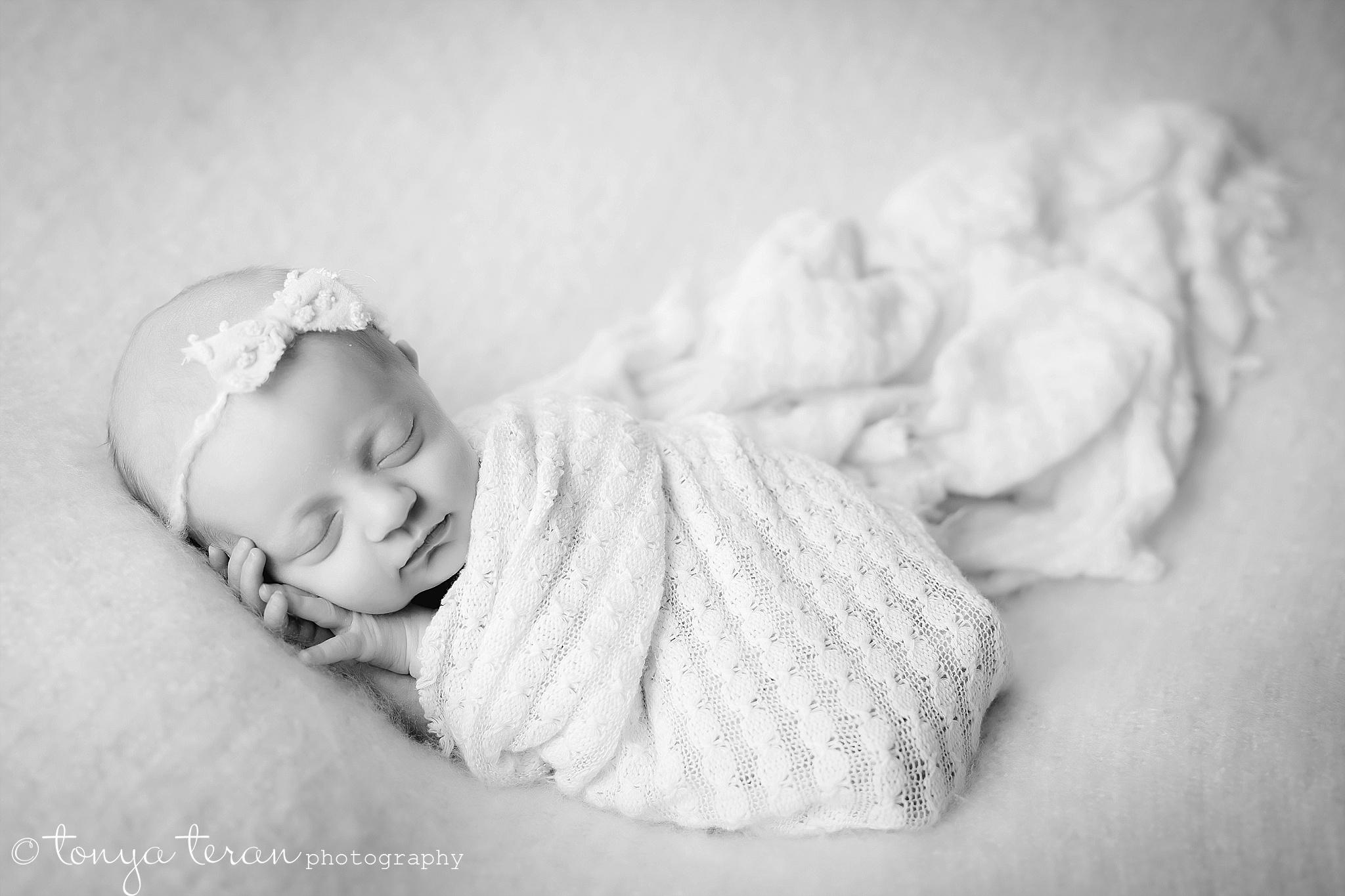 Newborn Photo Session | Tonya Teran Photography, Bethesda, MD Newborn, Baby, and Family Photographer