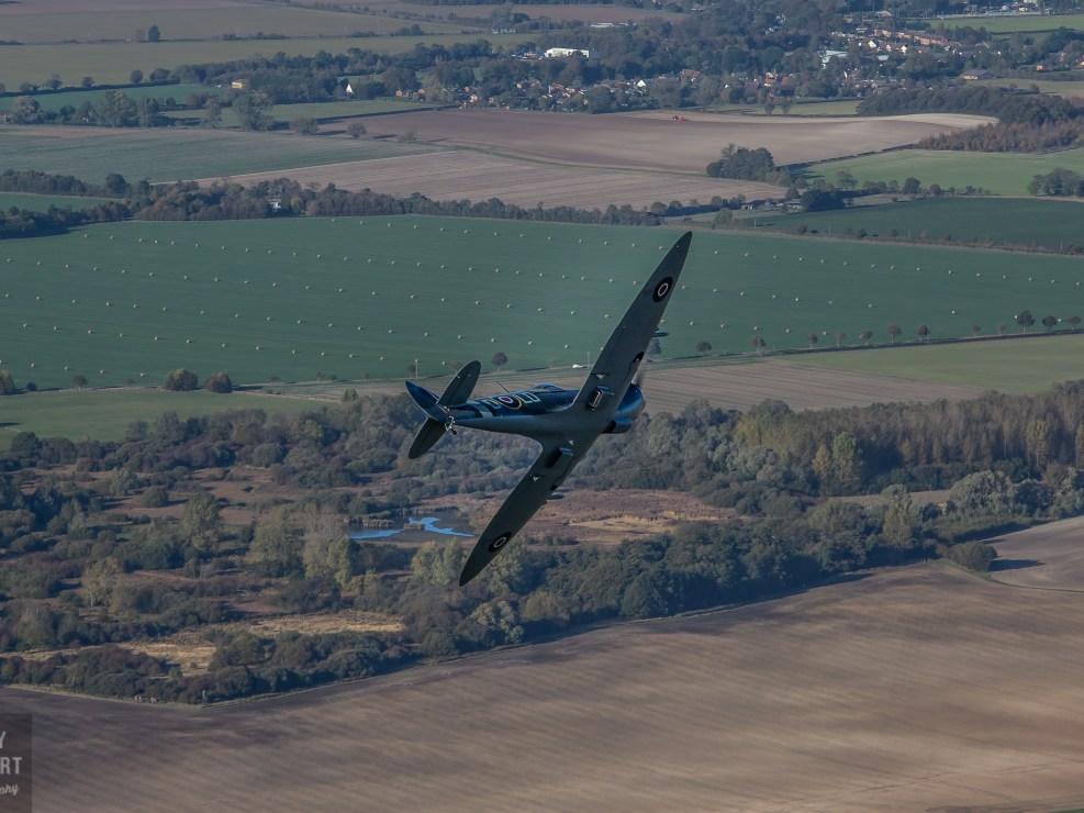 Spitfire Mk26 - high speed break