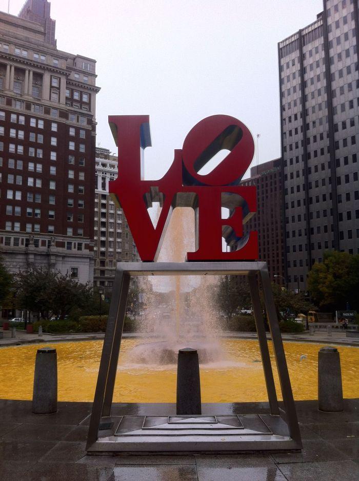 JFK Plaza, LOVE statue