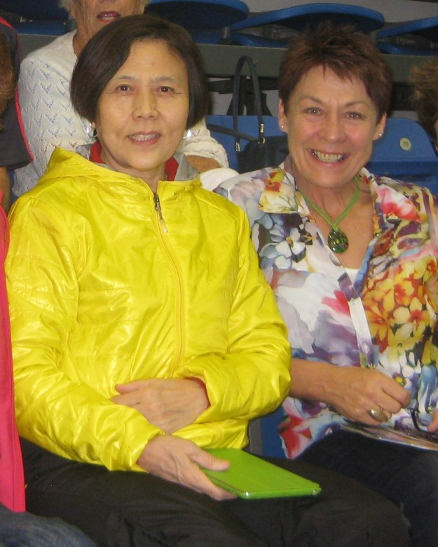 Wang Shuyun and Yvonne Fogarty, spectators together, World Veteran Table Tennis Championships, Auckland 2014