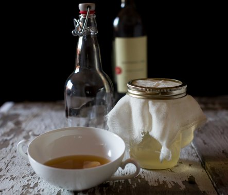 wine vinegar (1 of 2)