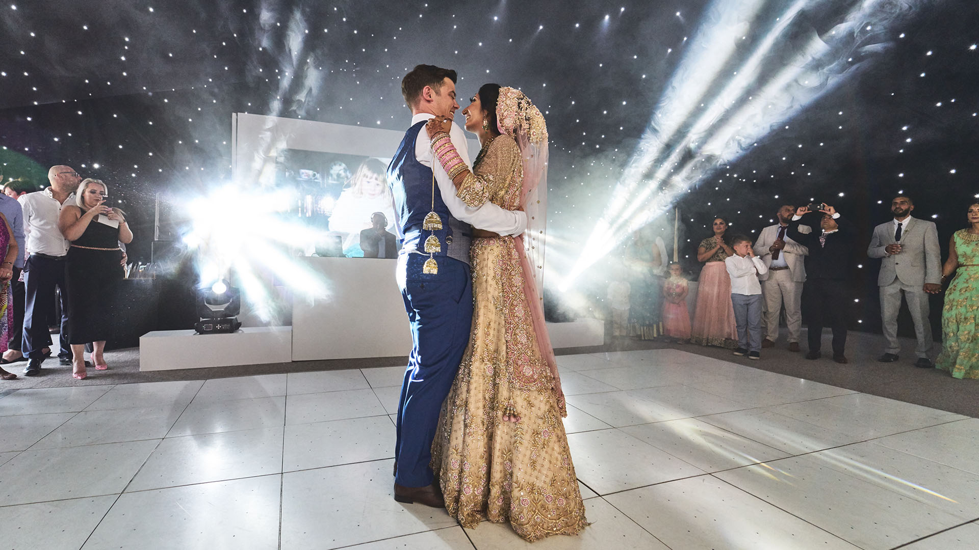 Summer Wedding First Dance Magic Bride & Groom - Wedding Photograher