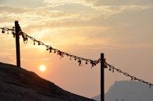 Hua-Shan-sunset-through-chains