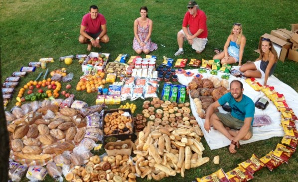 Rob-Greenfield-Amazing-Dumpster- Food Waste