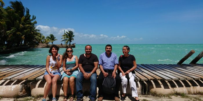Graduate students and their course instructors from left to right: Fátima, Andrea, César, Francisco, and Minerva.