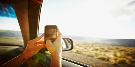 gallery-1441747656-cell-service-car-window
