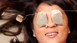 tea-bags-gentle-massage-of-under-eyes-will-heal-swollen-or-puffy-eyes-fast