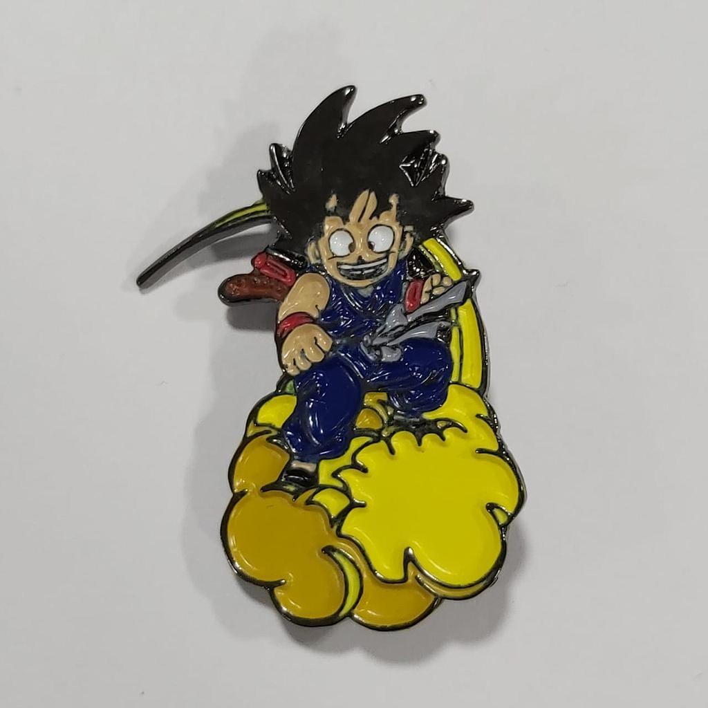 Dragon Ball - Pin Metálico TooGEEK Goku en Nube Voladora Color