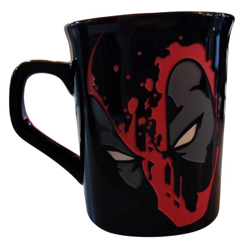 Mug Tallado Deadpool Cara TooGEEK Marvel