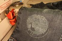 лазерная гравировка на джинсах MakeItUrz