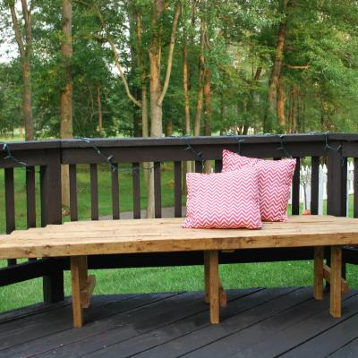 How to Build An Easy DIY Corner Bench