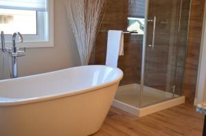 choosing the right bathtub -ToolBox Divas