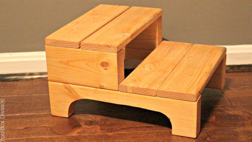 DIY Simple Foot Stool - Toolbox Divas