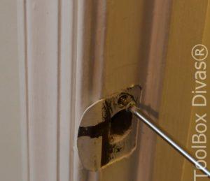 5 How to Replace a Bedroom & Bathroom Door Knob - Toolbox Divas