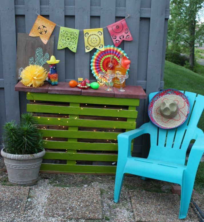 Mobile DIY Pallet Bar - Toolbox Divas